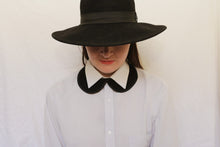 Black hat and black wool cotton collar