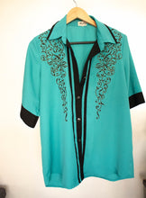 Vintage Embroidered blouse SIZE M/L