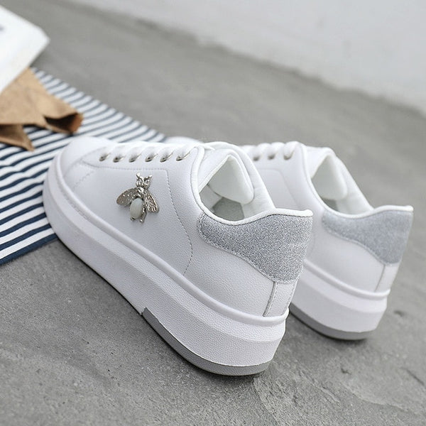 Fashion Sneakers Women Leather Trainers Autumn Shoes Lace Up Breathable Soft Shoes Casual Platform White Footwears Bee Rhineston