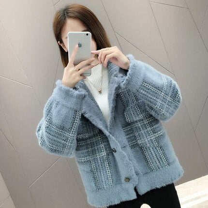 Women Sweater Short Coat Autumn Winter New Loose Imitation velvet Thick Sweaters coats Womens Bat sleeve Warm Cardigan Tide F763