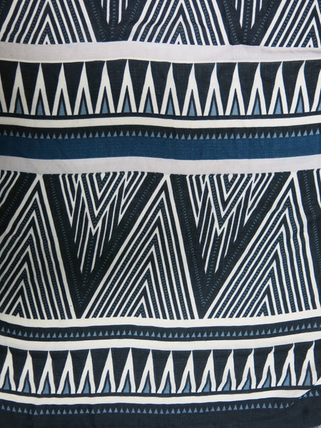 Triangle Tips Printed Scarf