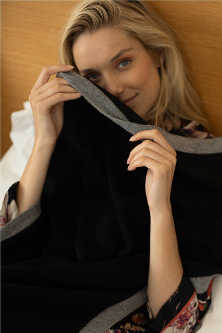 Olivia Washable Cashmere Pullover in Black