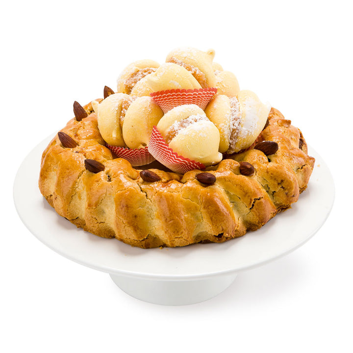 Buccellato Sicilano Wreath with Biscotti