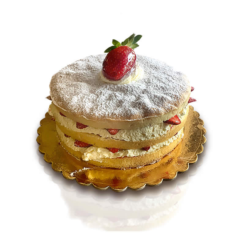 Vanilla Cake with Strawberries and Cream