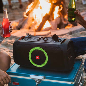 JBL PartyBox On-The-Go-lifestyle