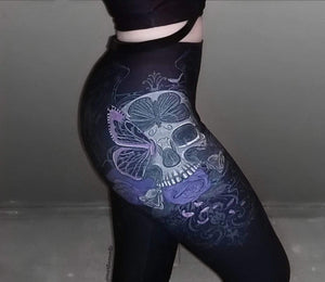 "Julia Art's ""Skull Winds"" Capri Leggings - Ordyh.com"
