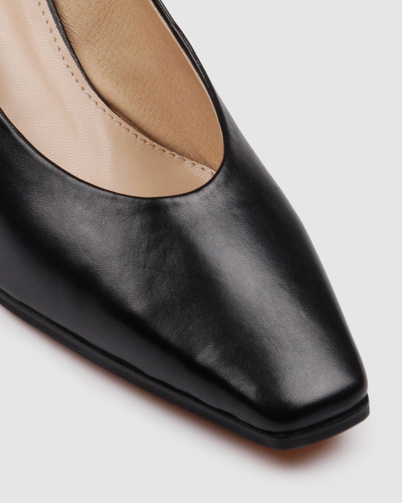 ALEXANDRA MID HEELS BLACK LEATHER