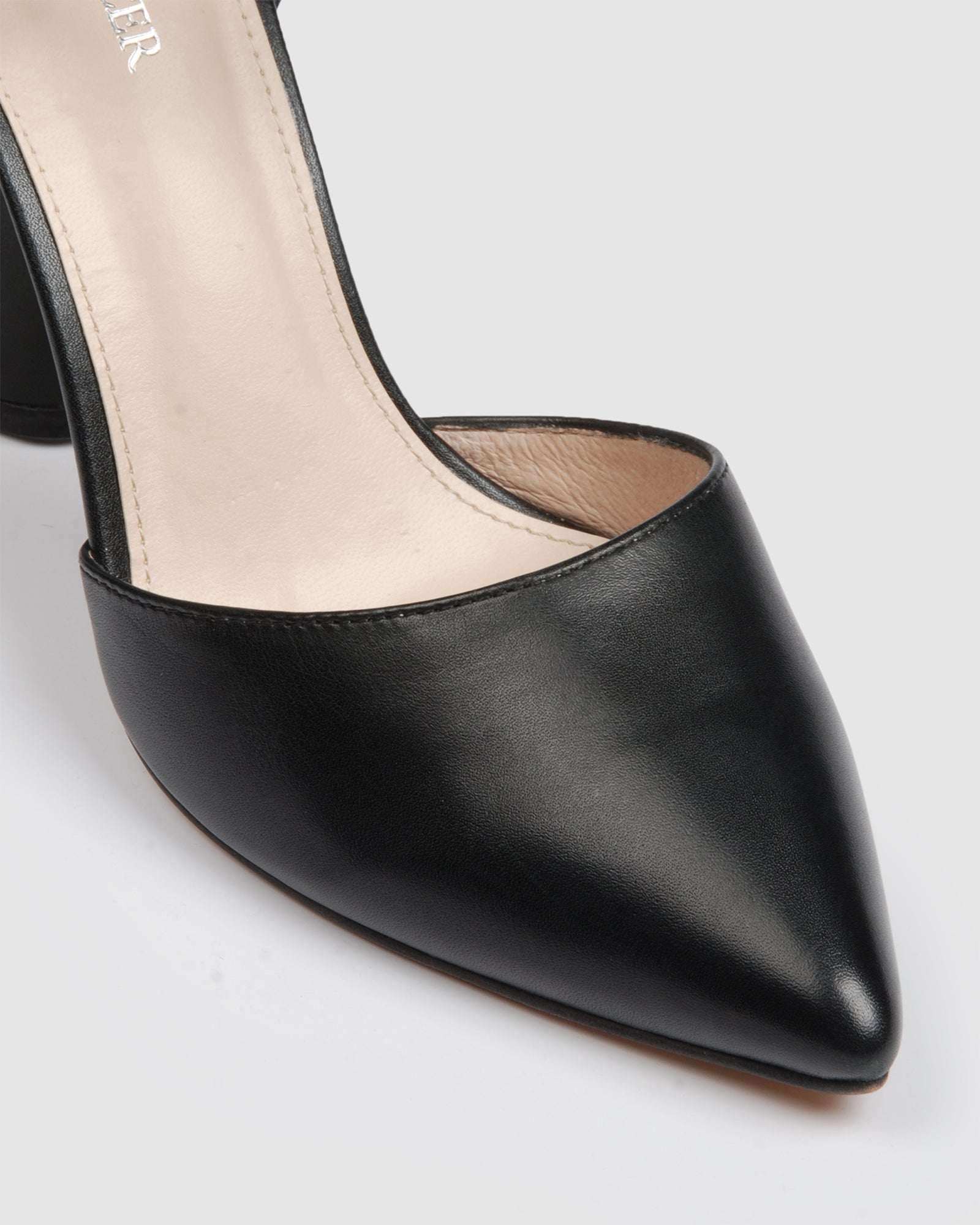 EASTBOUND HIGH HEELS BLACK LEATHER