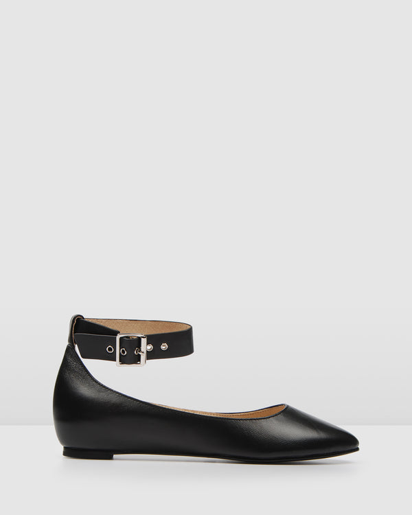 INDY CASUAL FLATS BLACK LEATHER