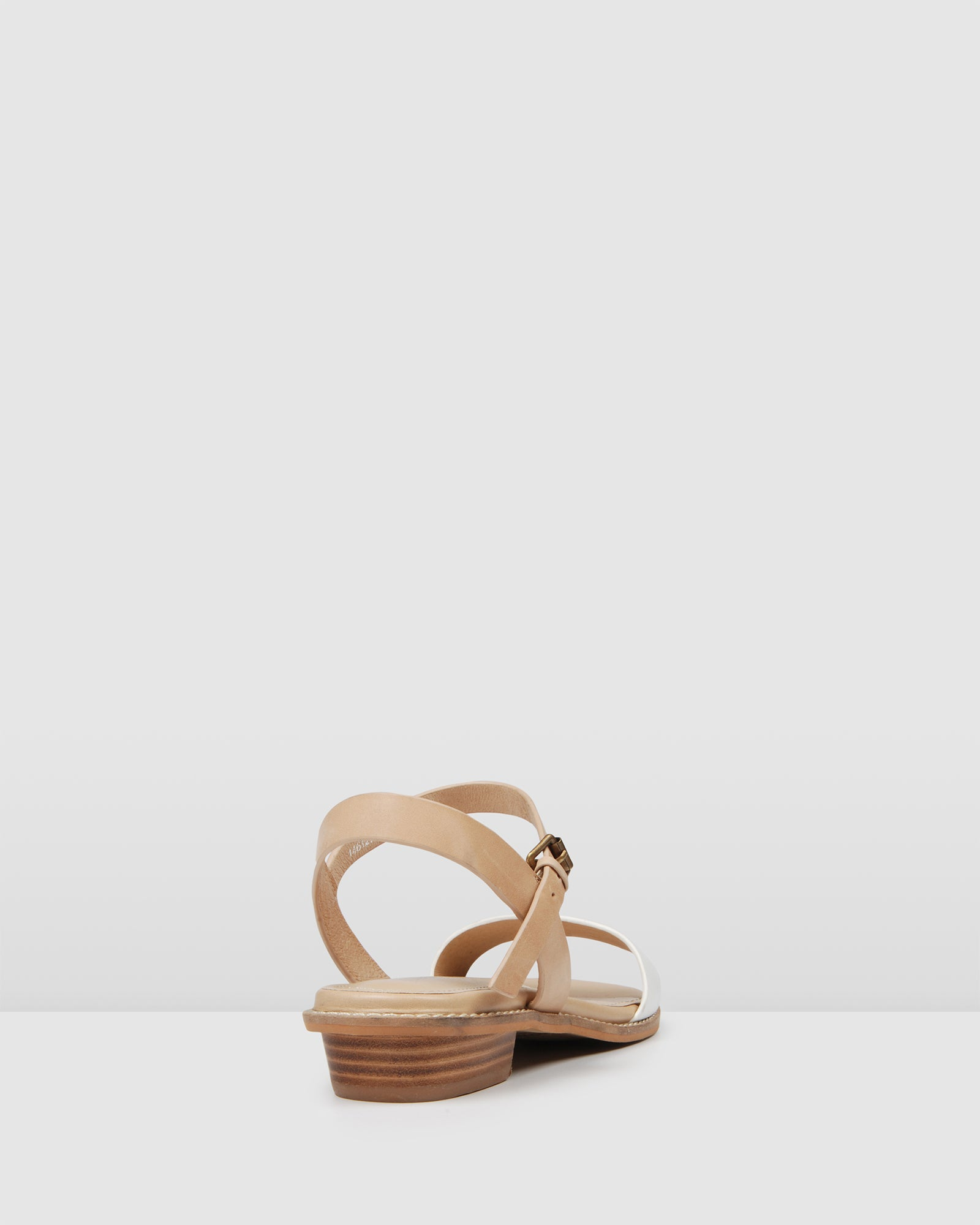 LIESEL FLAT SANDALS NATURAL/WHITE