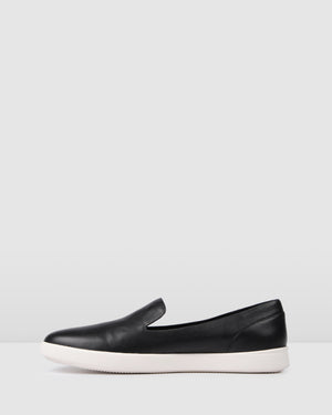 NAVARO CASUAL FLATS BLACK LEATHER