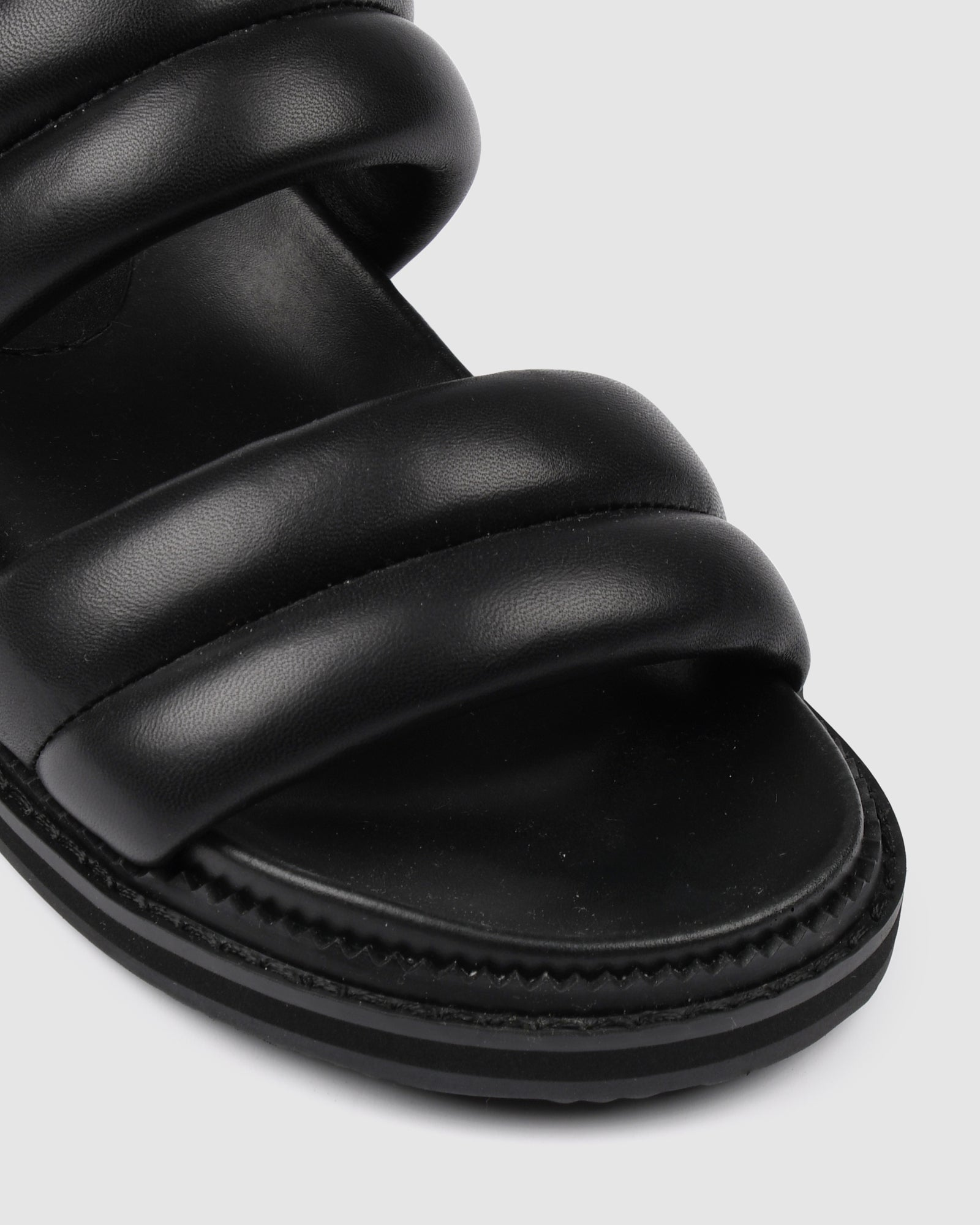 PRINCE FLAT SANDALS BLACK LEATHER