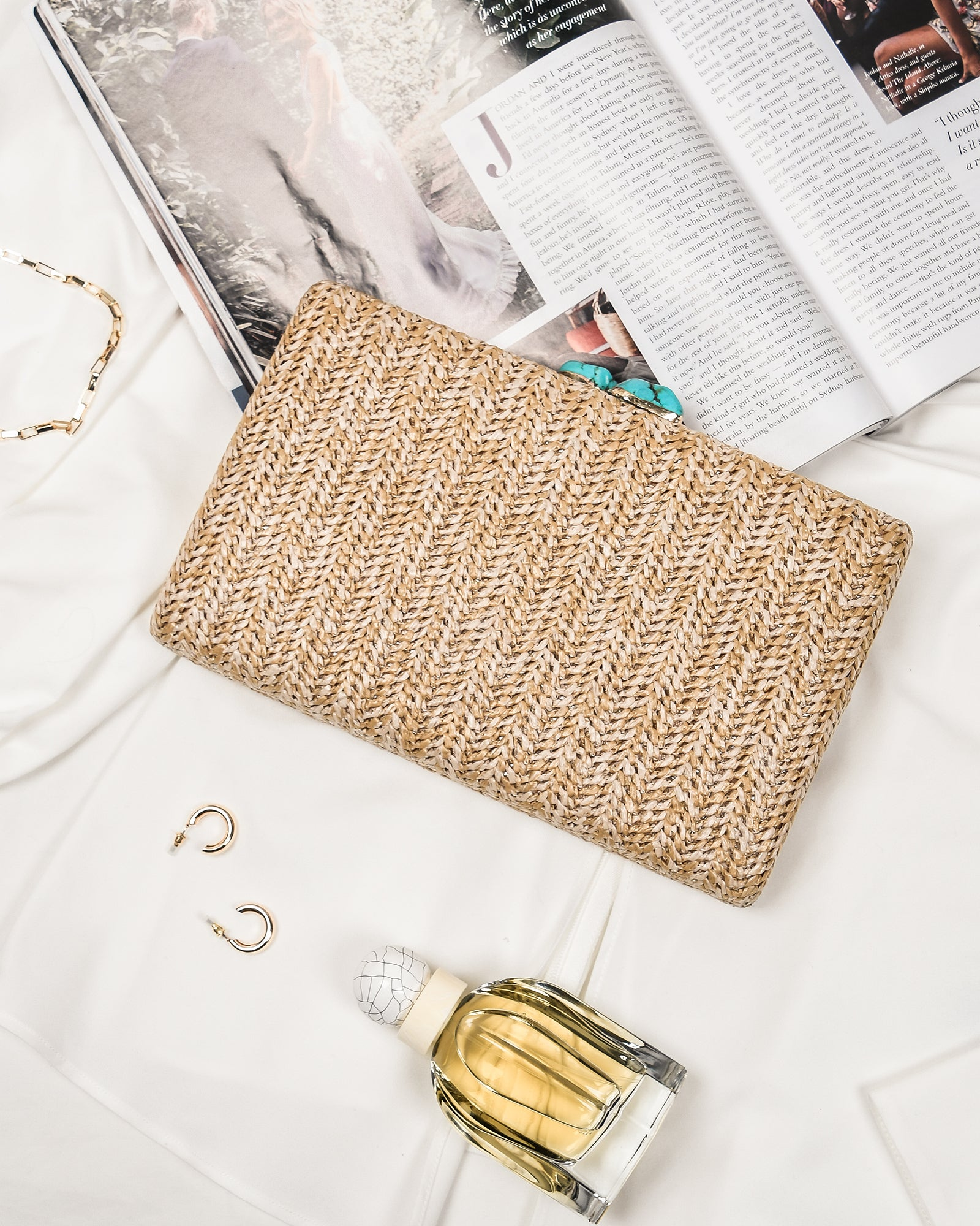 POPPY CLUTCH NATURAL RAFFIA
