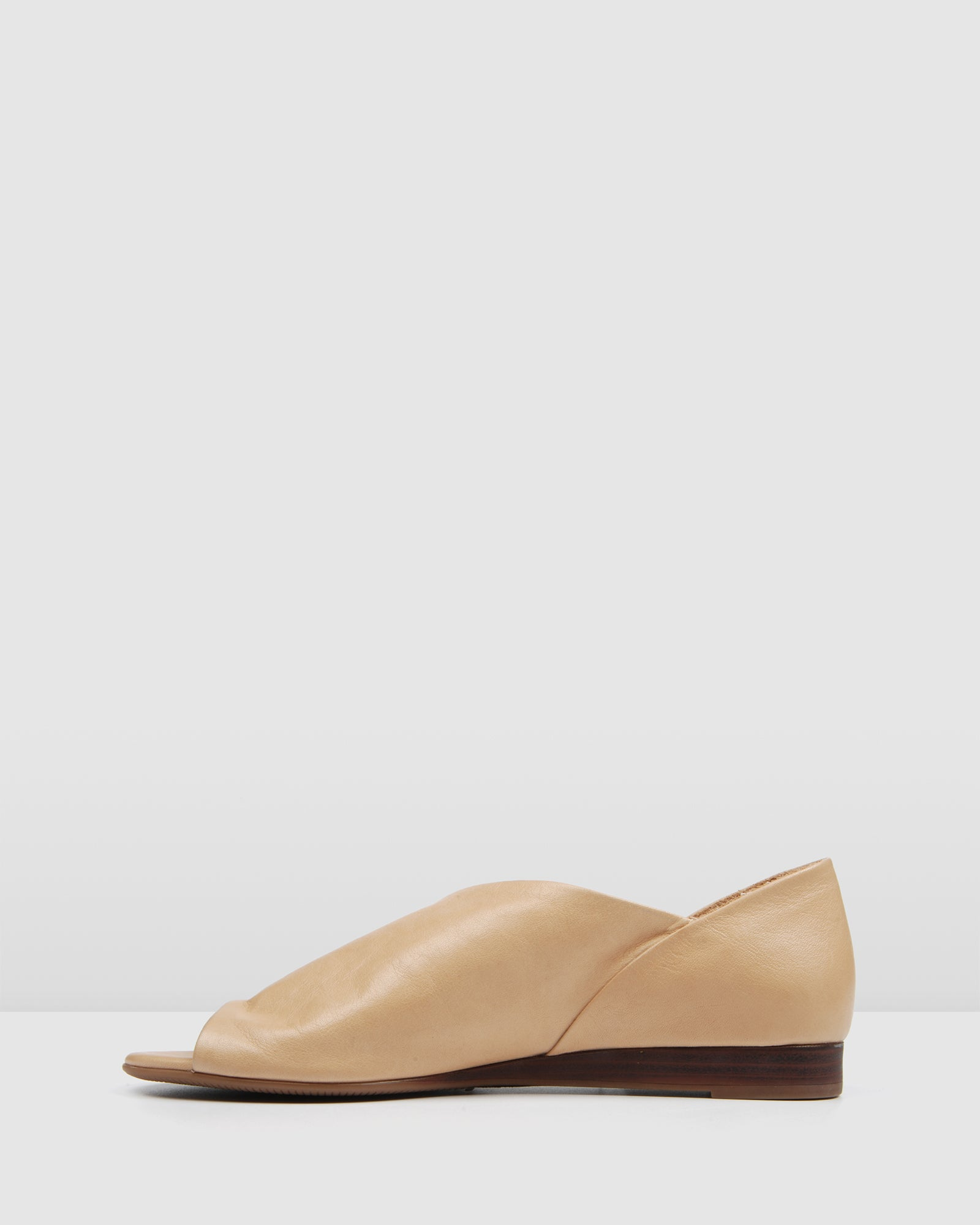 TENLEY FLAT WEDGE SANDALS NATURAL LEATHER