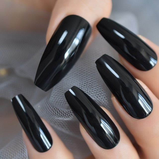 | The Real World Nurses | Classic Black Coffin Temporary Nails
