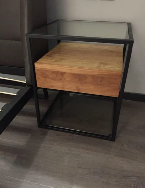 NIELSON Mixed Element Side Table