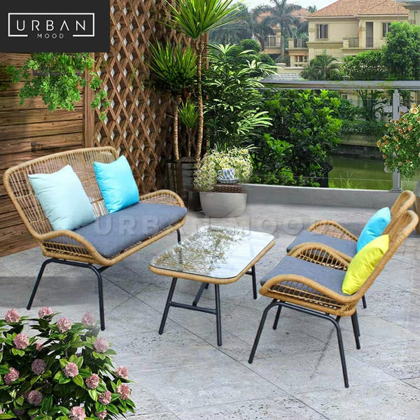 WAYNE Rattan Outdoor Table And Chairs