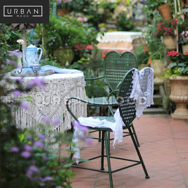 LOVELL Classic Rattan Outdoor Table And Chairs