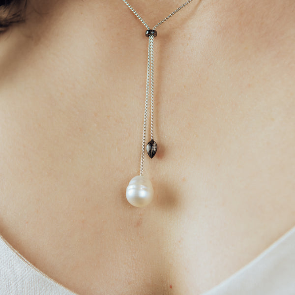 Penta Luce Champagne Diamond + Pearl Necklace / Black