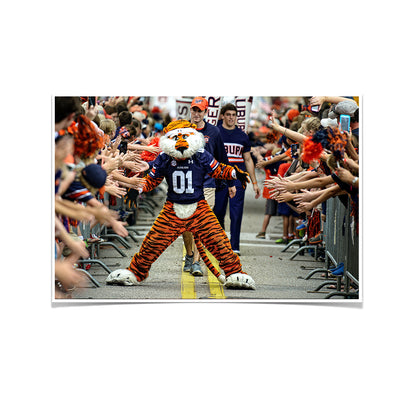 Auburn Tigers - Aubie at the Tiger Walk - College Wall Art#Poster
