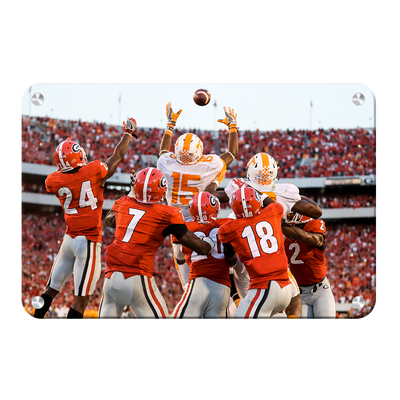 Tennessee Volunteers - The Catch TN vs. GA - College Wall Art #Metal