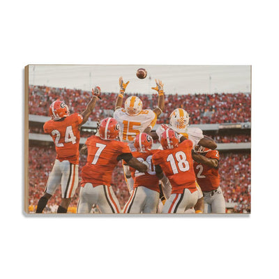 Tennessee Volunteers - The Catch TN vs. GA - College Wall Art #Wood