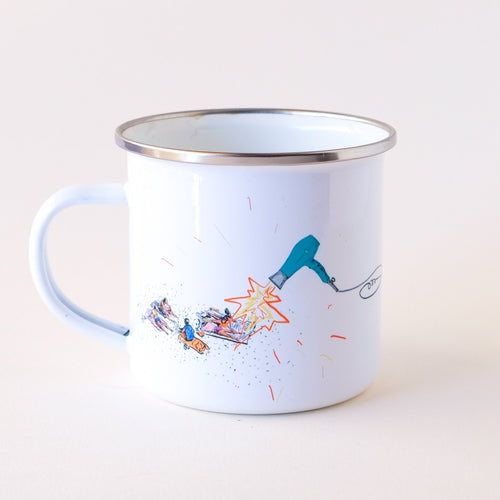 enamel coffee mug showing summer vibes and suntanning on the beach