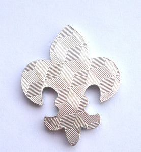 Fleur-de-lis with Clear Crystals Ball Marker reverse pic