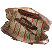 Load image into Gallery viewer, Floto Venezia Leather Travel Duffle Bag 2.0 - Inside View