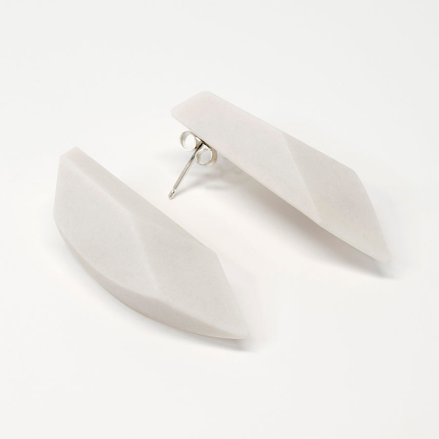Faceted White Arcs