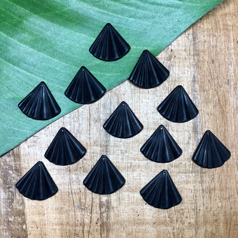 Black Fan Pendants - 25 Pieces