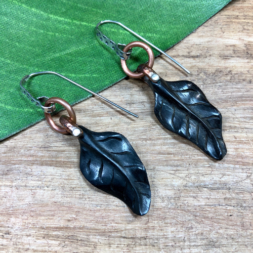 Wooden Leaf Pendants - 1 Piece