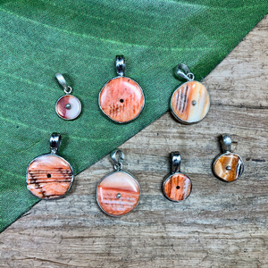 Spiny Oyster Pendants - 1 Piece