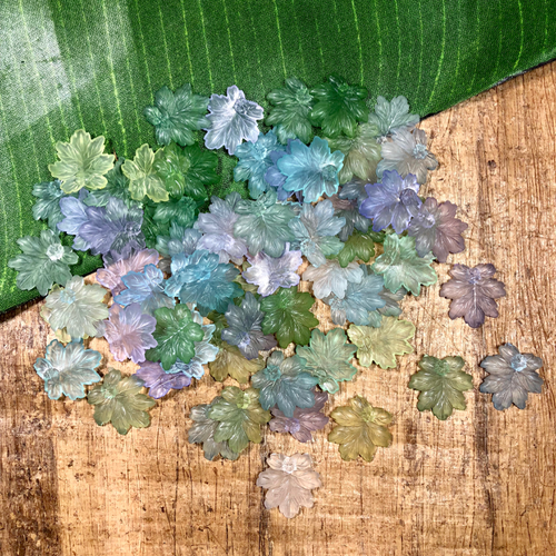 Small Lucite Leaves - 50 Pieces