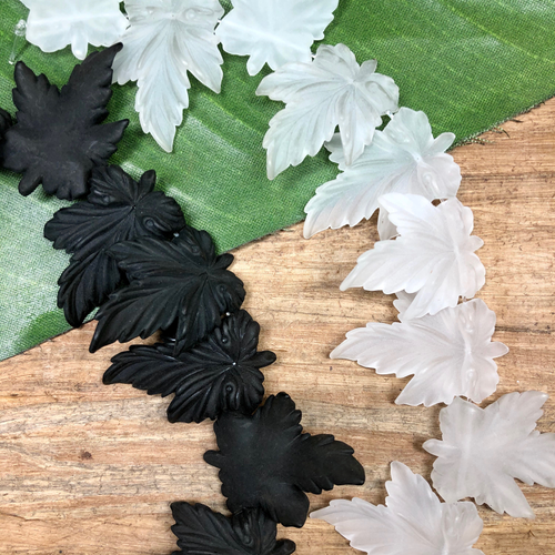 Black & Cystral Leaves - 10 Pieces