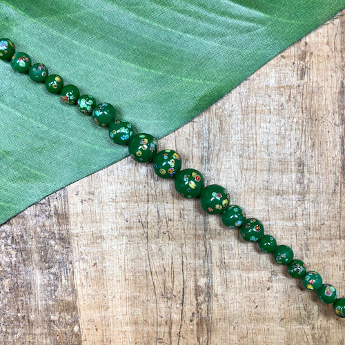 Graduated Green Flower Tombo Beads - 20 Pieces