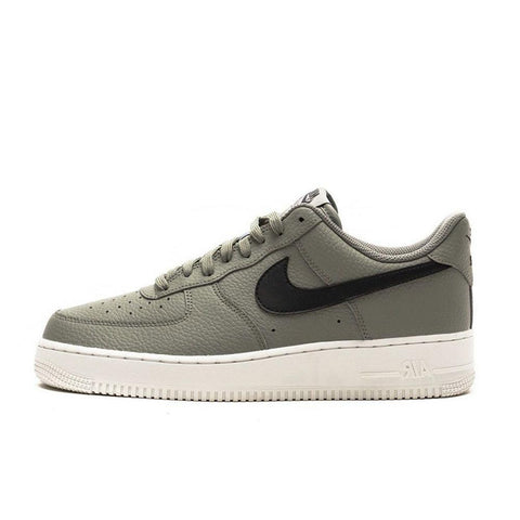 products/nike-mens-air-force-1-07.jpg