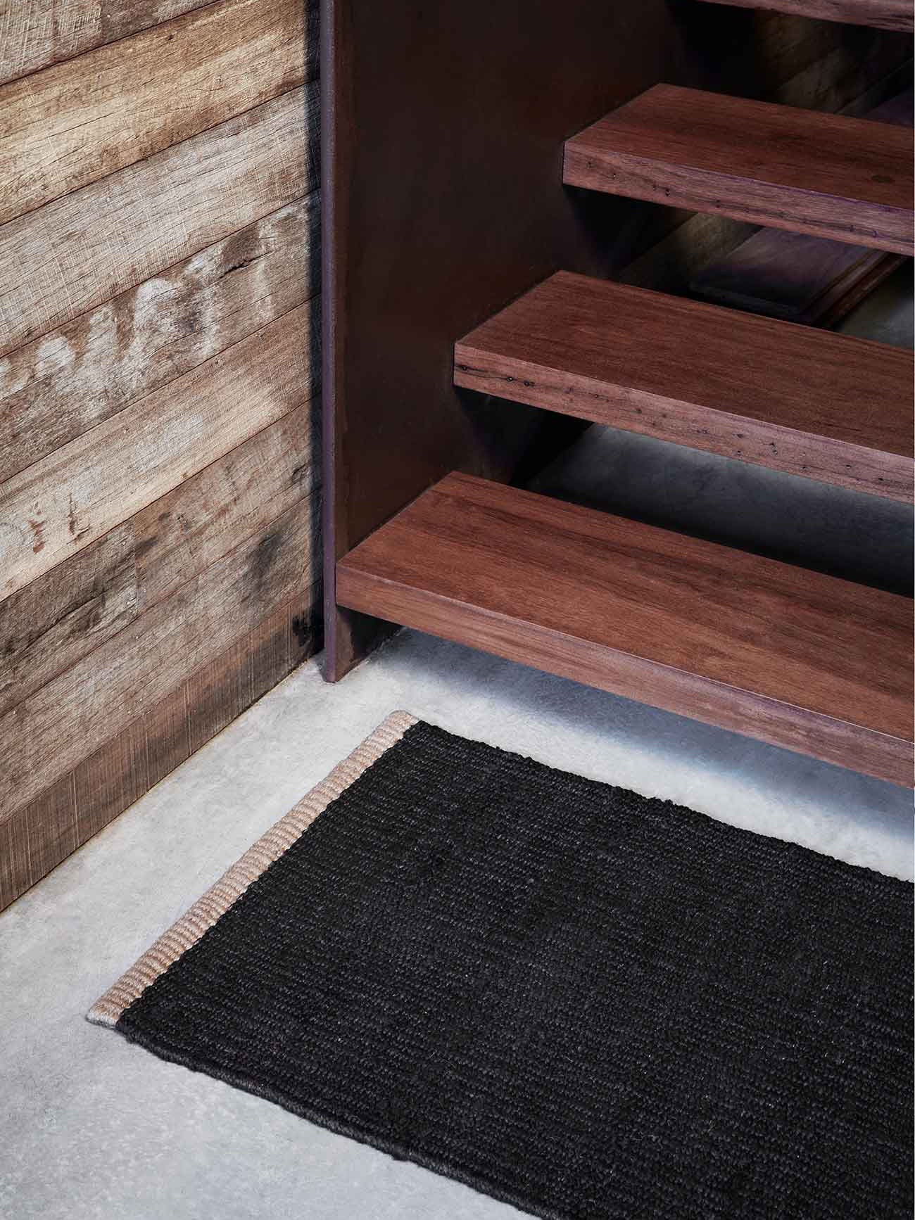 Armadillo Nest Entrance Mat - Charcoal