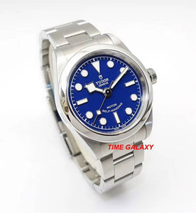 Tudor M79580-0003 features blue dial