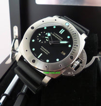 Load image into Gallery viewer, Panerai PAM305 black dial, date display