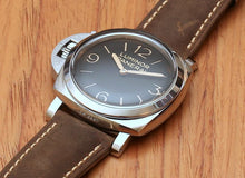 Load image into Gallery viewer, Panerai PAM557 for left handed wrist, black dial, night indicator