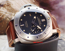 Load image into Gallery viewer, Panerai PAM00569 black dial P.9000 calibre 72 Hour power reserve
