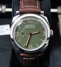 Load image into Gallery viewer, Panerai Radiomir 1940 3 Days Automatic Military Green PAM995