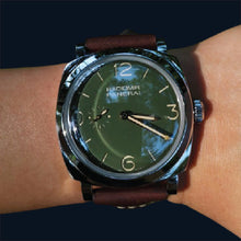 Load image into Gallery viewer, Panerai PAM00995 military green dial P.4000 caliber movement