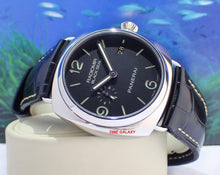 Load image into Gallery viewer, Panerai PAM388 black dial date display