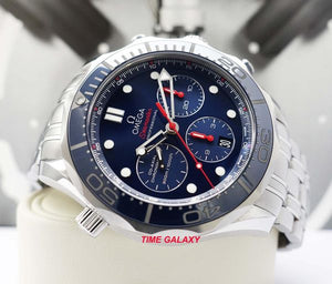 Omega 212.30.44.50.03 features blue dial
