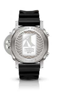 Panerai PAM427 made of stainless steel, sapphire glass, 100 m water resistance