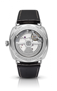 Panerai PAM496 made of white gold, sapphire glass, 50 m water resistance