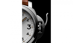 Panerai PAM660 white dial, mixed indexes, stick hands