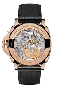 Panerai PAM675 made of rose gold, sapphire glass, 30 m water resistance